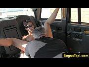 Bruneta Ii Da Pizda Soferului De Taxi Sa O Duca Acasa Ca Nu Mai Are Bani Sa Il Plateasca
