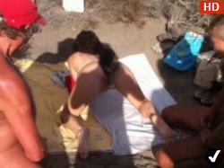 Barbatii O Iau Pe O Tipa La Mare Si O Fut Pe Plaja Toti 5
