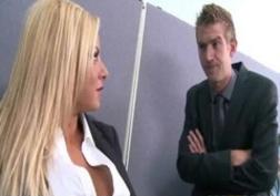 Blonda Fututa De Baiatul De La Itnretinere Dupa Un Sex Nervos