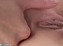 Face Sex Ca Nu Mai Poate De Dragul Ei Dar O Ustura In Gat De La Atata Pula
