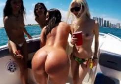 Sex Pe Un Yacht Cu Curve Pe Care Le-A Prins Pe Plaja Bete