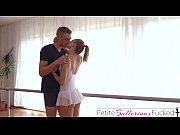 Dupa Un Dans Frumos Balerina Se Fute Cu Partenerul Sau