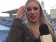 Jurnalista Blonda Se Fute Cu Antrenorul Echipei Preferate